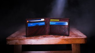 Man Makes Bet With Friend And Now Has Over 1,497 Active Credit Cards
