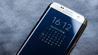 First Photo Of Samsung's Upcoming Galaxy S8 Leaked And There's Something Missing