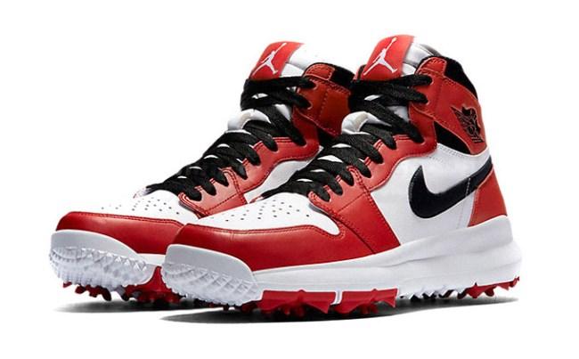 air-jordan-1-chicago-golf-shoes-1