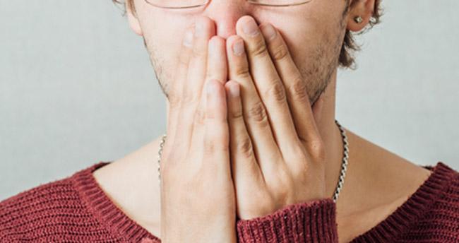 guy-broken-nose-girlfriend-oral-sex