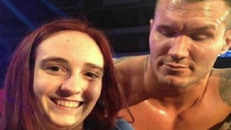WWE Wrestler Randy Orton Shamelessly Stares At Fan's Boobs As She Takes Selfie With Him