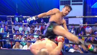 MMA Fighter Pulls Off Insane 'Matrix' Move To Avoid Devastating Head Kick