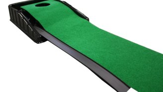 Practice Your Putting Anywhere, Anytime With This 7-Foot Automatic Return Mat For Only $20