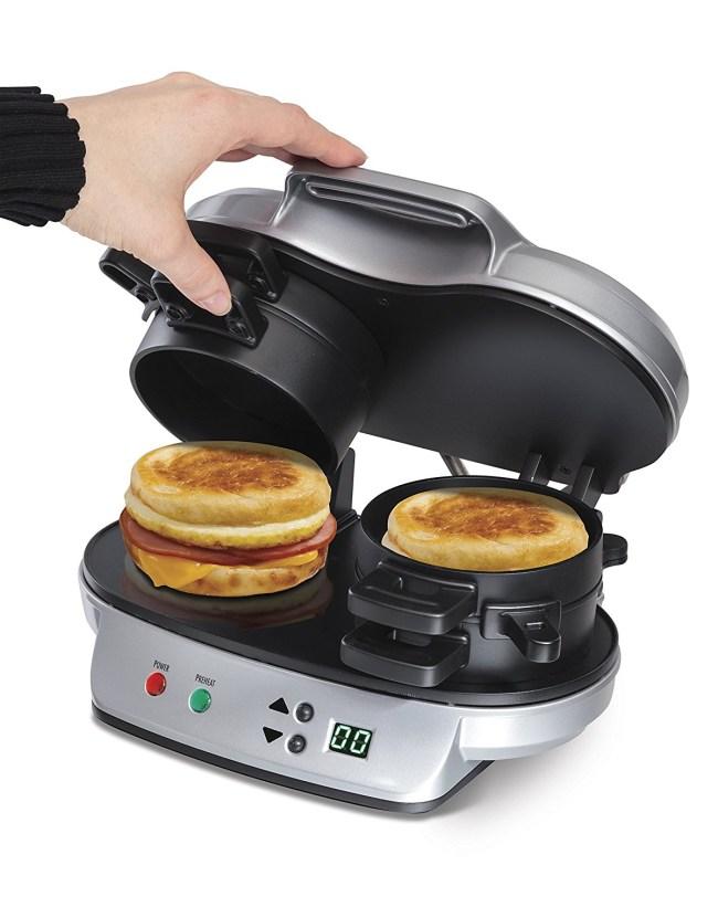 hamilton-beach-25490a-dual-breakfast-sandwich-maker-2