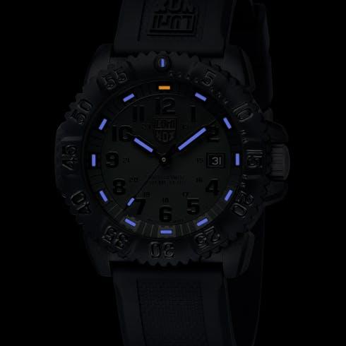 luminox-navy-seal-colormark-dials