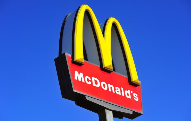 mcdonalds-logo-arches-subliminal-message-breasts