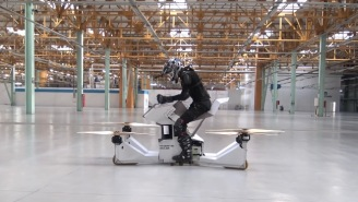 Here's The World's First REAL Hoverbike In Action, Proof That The Future Is Now