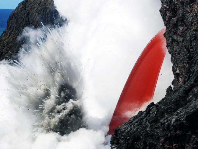 hawaii-kilaueas-lava-gush-into-the-sea-like-a-waterfall
