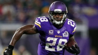 Report: Adrian Peterson Would Be Interested In Taking Less Money To Play For New England Patriots