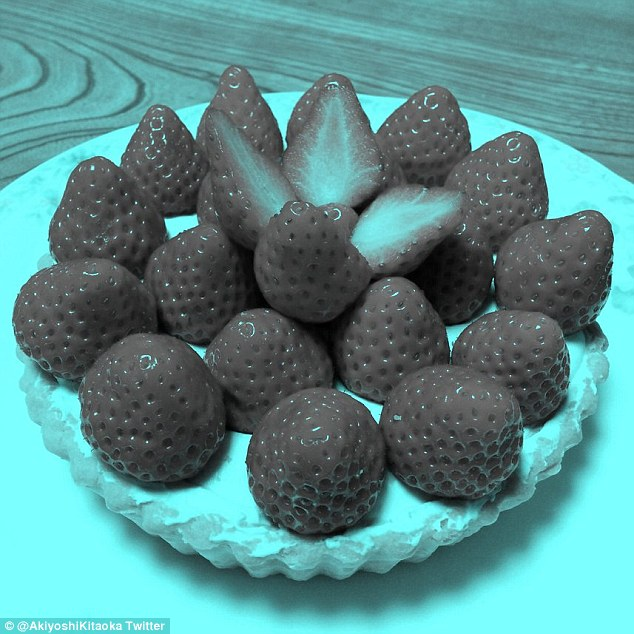 red strawberries optical illusion