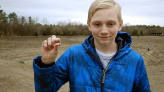 Teen Finds HUGE Diamond On The Ground At Arkansas State Park, Could Be Worth $$$$