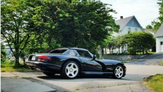 This 'Honest' Craigslist Listing For A Dodge Viper Is Perfect In Every Possible Way