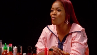 Keke Palmer Doesn't Stop Laughing While Eating The World's Hottest Wings