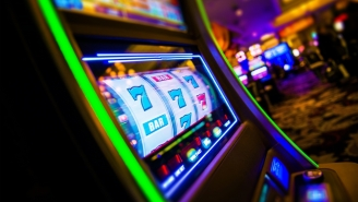 This Dude Won A $100,000 Slot Machine Jackpot But The Casino Gave His Winnings To A Woman