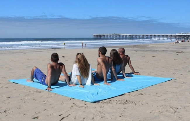 things we want world's largest beach towel
