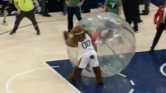 Utah Jazz Mascot LEVELS Clippers Fan Who Pushed A Kid On Court