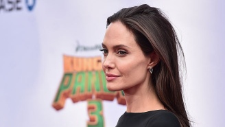 This Mom Looks So Much Like Angelina Jolie She Gets Stopped By Strangers For Autographs