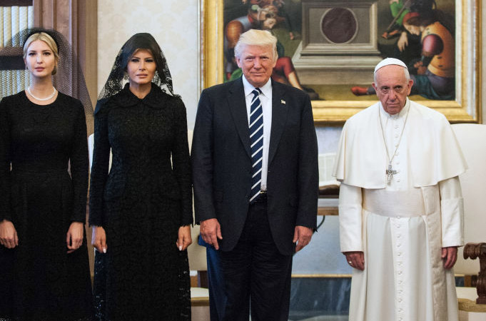 The Internet Had SO MUCH FUN With This Priceless Photo Of Trump, Melania And Ivanka With The Pope
