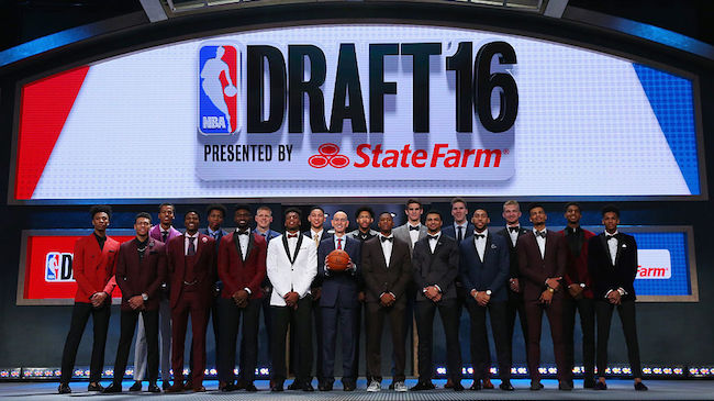 NEW YORK, NY - JUNE 23: Commissioner Adam Silver poses for a photo with the top prospects before the start of the first round of the 2016 NBA Draft at the Barclays Center on June 23, 2016 in the Brooklyn borough of New York City. NOTE TO USER: User expressly acknowledges and agrees that, by downloading and or using this photograph, User is consenting to the terms and conditions of the Getty Images License Agreement. (Photo by Mike Stobe/Getty Images)