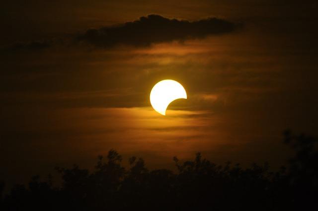sun total solar eclipse