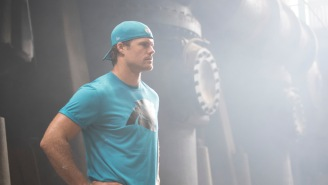 How To Train Like An NFL Star At The Highest Level, According To Panthers TE Greg Olsen