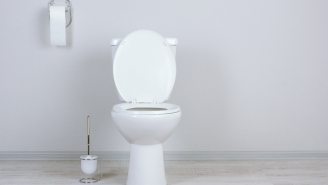 There's Poop Everywhere Because You've Been Flushing The Toilet Wrong, Here's How To Flush It Right