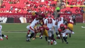 Bengals Punter Kevin Huber Busted Out Amazing Behind-The-Back Move To Prevent Punt From Getting Blocked