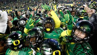 Oregon Linebacker's Mom Interrupts Practice To Surprise Him With A Scholarship