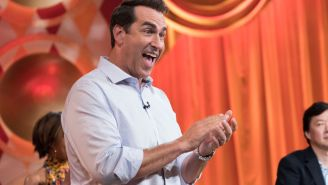 Rob Riggle Discusses Why It's Hard For Him To Go Tailgating, The Best Uniforms In College Football, And More