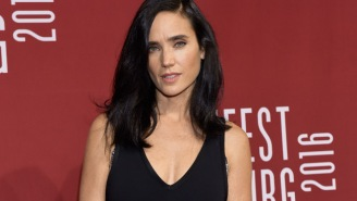 46-Year-Old Jennifer Connelly Is On Vacay In A Bikini, Could Pass For Someone Half Her Age
