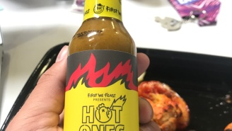 There's A New 'Hottest Pepper In The World' And It Tastes DELICIOUS In This New Hot Sauce