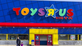Toys R Us Huge Liquidation Sales Begin Today, Here's What You Need To Know