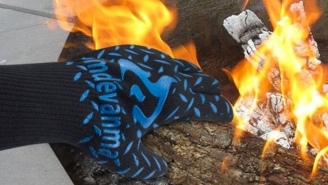 These $19 Heat Resistant Gloves Will Let You Grab Hot Pans And Reach Into Fire Like It's NBD