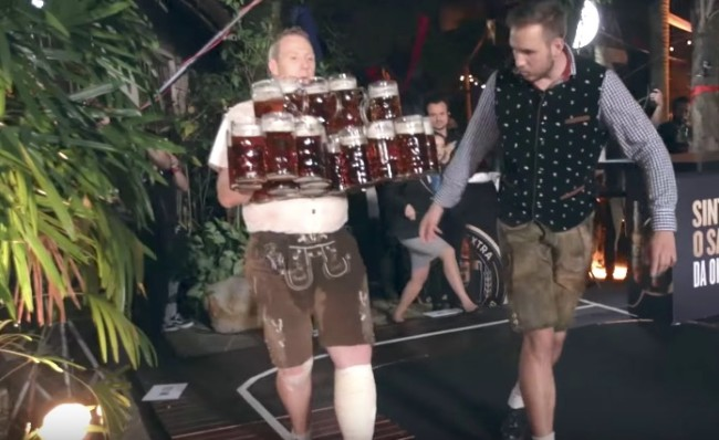 guinness world record carrying most beer steins at once