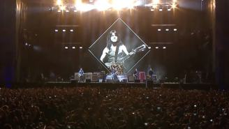 Dave Grohl Pens Tribute To Malcolm Young, Foo Fighters And Guns N' Roses Play AC/DC Cover Songs
