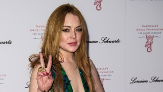 Lindsay Lohan Tweeted At Trump To Meet Her In Asia And The Internet Has So Many Questions
