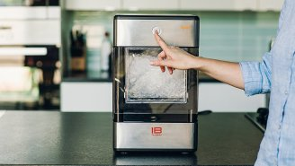 You Can Now Have That Good Chick-Fil-A Ice In Your Own Home With This Nugget Ice Maker