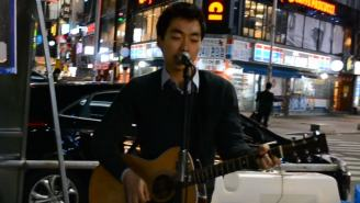 Korean Street Performer Sounds So Much Like John Mayer It's Scary