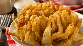 Outback Steakhouse Is Giving Away FREE Bloomin' Onions Tonight! Here's How To Get One
