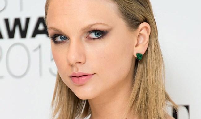 Taylor Swift Photo Shoot Poem Vogue UK