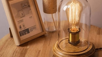 Class Up Your Joint With This Vintage Style Edison Bulb Lamp