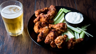 New York Now Offers An Official 'Buffalo Wing Trail' Tour And I Just Booked My Ticket To Buffalo