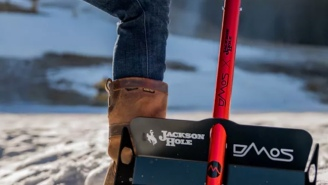 This Packable DMOS Stealth Shovel Might Save Your Back And Your Ass