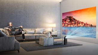 CES 2018: LG's First 4K Portable Projector Can Beam A Huge 150-Inch Picture Onto Your Wall