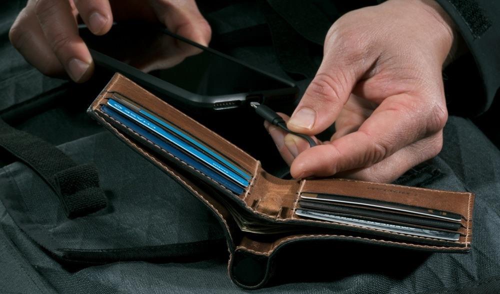 portable charging wallet