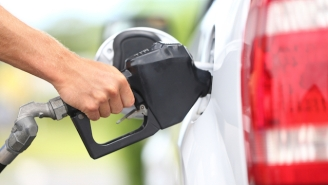 People In Oregon Are Freaking Out About Having To Pump Their Own Gas