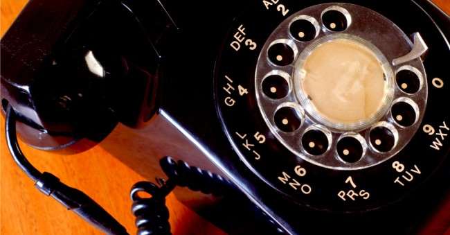Teenager How To Use Rotary Phone