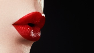 Twitter Is Struggling, And Grossed Out, With The Mystery Of A Lipstick Kiss Inside A Toilet Bowl
