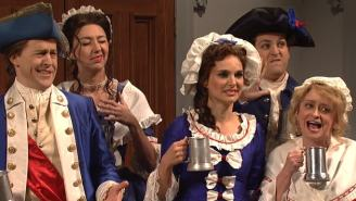 SNL: Tina Fey, Rachel Dratch Lead Patriots And Eagles Fans Trash-Talking About Revolutionary War