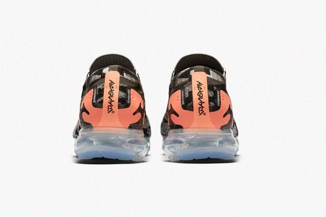 acronym nike air vapormax moc 2 sneakers